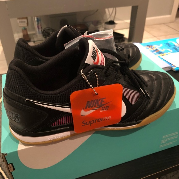 82f2ce3029f8 Nike Sb Gato Supreme BLACK size 8.5